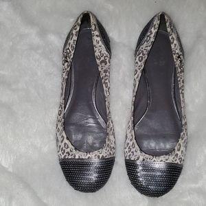 Coach  Size 7.5 B White & Gray Leopard Design
